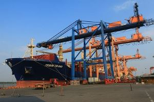 Most container ships carrying more horizontally and largest ever cargo at the Port of Haiphong